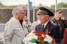 В день освобождения на военном кладбище Таллина_14