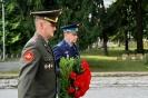 В день освобождения на военном кладбище Таллина_22