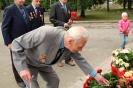 В день освобождения на военном кладбище Таллина_56