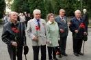 В день освобождения на военном кладбище Таллина_59